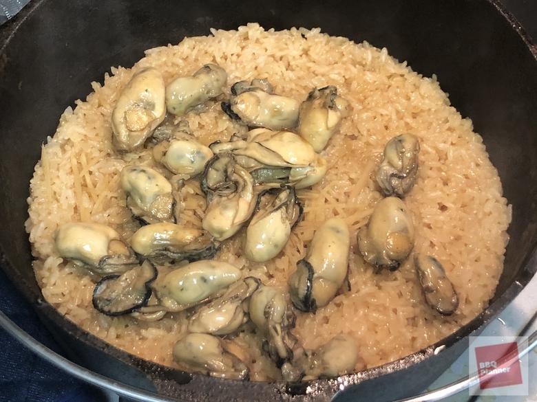 ダッチオーブンで牡蠣飯 1